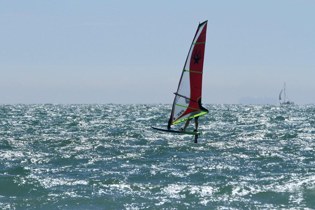 FOILING : : Ezzy Hydra Windsurf Foiling Sail - 2XS